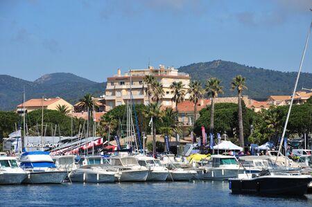 Sainte Maxime, Frankrijk - 16 april 2016: marina Redactioneel