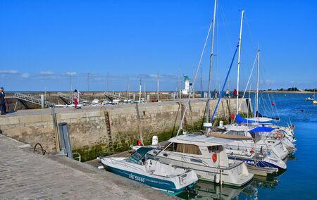 're: La Flotte, France - september 25 2016 : boats in the picturesque port