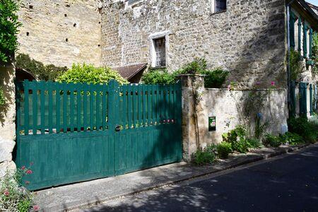 sur: Auvers sur Oise , France - august 14 2016 : the picturesque village in summer Editorial