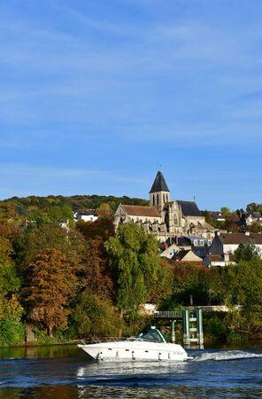 Triel sur Seine, France - october 31 2016 : the Seine riverside