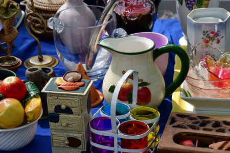 Versailles; France - june 10 2018 : the flea market Redactioneel