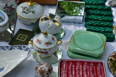 Versailles; France - june 10 2018 : the flea market Archivio Fotografico - 110142940