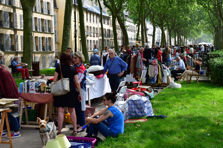Versailles; France - june 10 2018 : the flea market Archivio Fotografico - 116506377