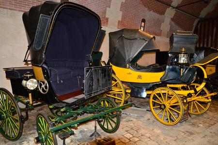 Vaux le Vicomte, France - july 22 2017 : horse drawn carriage in the historical castle built by Nicolas Fouquet Редакционное