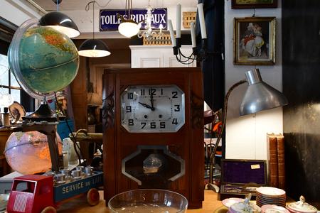 Maulette; France - may 1 2018 : an antique shop in Bois l Epicier Éditoriale