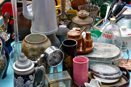 Versailles; France - june 10 2018 : the flea market Archivio Fotografico - 121681353