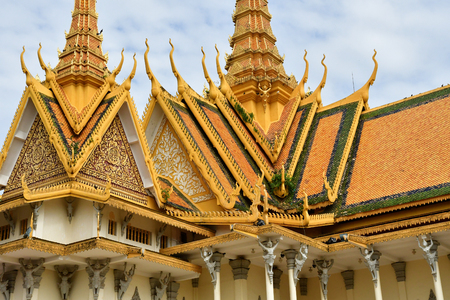 Phnom Penh; Kingdom of Cambodia - august 20 2018 : the throne hall of the Royal Palace Imagens