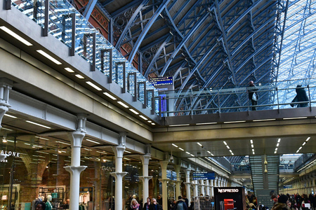 London, England - march 11 2018 : the picturesque Saint Pancras train station in Camden district 版權商用圖片