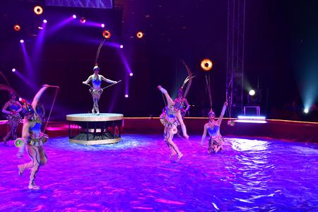 Les Mureaux; France - october 14 2018 : diabolo juggling at the circus festival Banque d'images - 124826709
