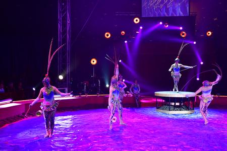 Les Mureaux; France - october 14 2018 : diabolo juggling at the circus festival Banque d'images - 124826954