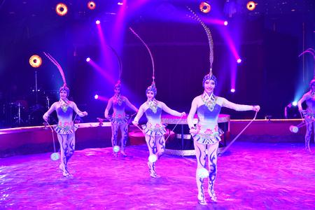Les Mureaux; France - october 14 2018 : diabolo juggling at the circus festival Banque d'images - 124827183