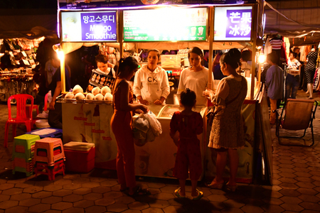 Phnom Penh, Kingdom of Cambodia - august 19 2018 : the picturesque night market Redakční
