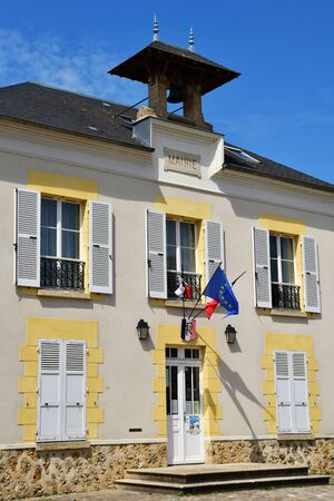 Avernes, France - may 24 2019 : the city hall in the village center Фото со стока - 130158538