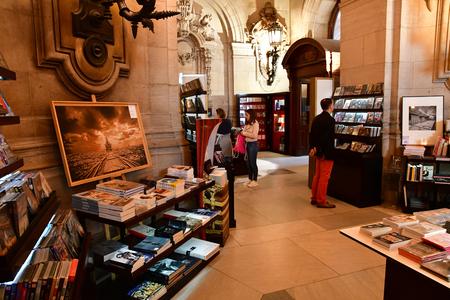Paris; France - august 4 2018 : the souvenir shop at the Opera de Paris Redakční