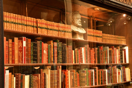 Paris; France - april 2 2017 : old book shop in the Galerie Vivienne in the second arrondissement, built in 1823 Redakční