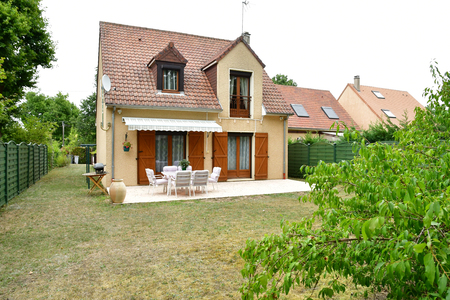 Verneuil sur Seine; France - september 13 2019 : a small house