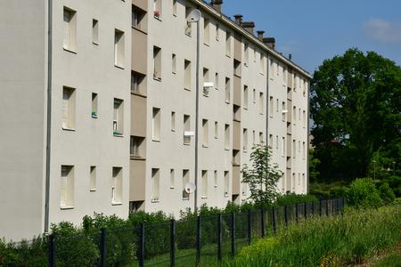 Les Mureaux; France - may 25 2019 : apartment block near the Paul Raoult avenue 에디토리얼