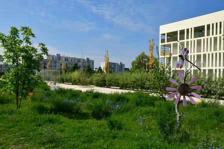 Les Mureaux; France - may 25 2019 : building near the Paul Raoult avenue 에디토리얼
