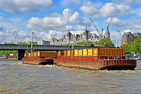 London; England - may 5 2019 : Thames river cruise in the city centre 免版税图像