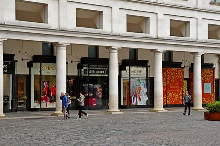 London, England -  may 3 2019 : cloth shop in the Covent Garden district Redakční