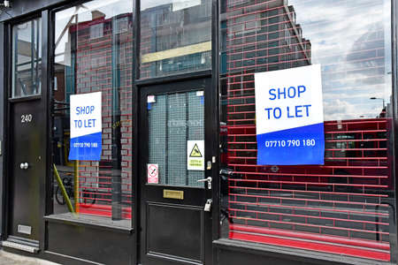 London; Hampstead, England - may 5 2019 : a shop to let in the Saint Pancras district Sajtókép