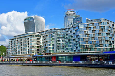 London; England - may 5 2019 : Thames river cruise in the city centre Redakční