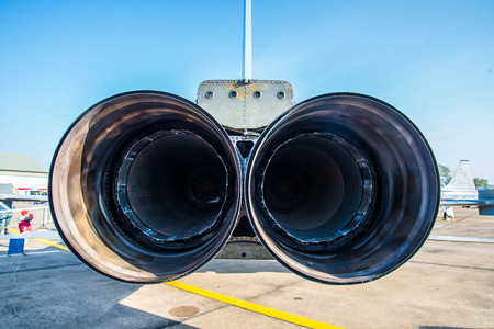 airscrew: Hose jets of jets parked on the runway.