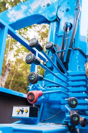 hydraulic: Boom Truck, crane truck hydraulic control.