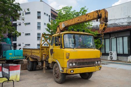 Boom Truck, crane truck hydraulic control.