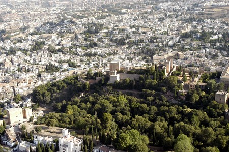 familiar: AERIAL VIEW OF THE PALACE OF CARLOS V and the Alhambra in Granada
