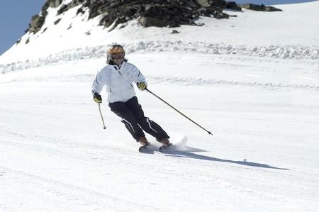 Women skiing in Sierra Nevada photo