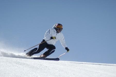 skieer: Vrouwen skiën in Sierra Nevada