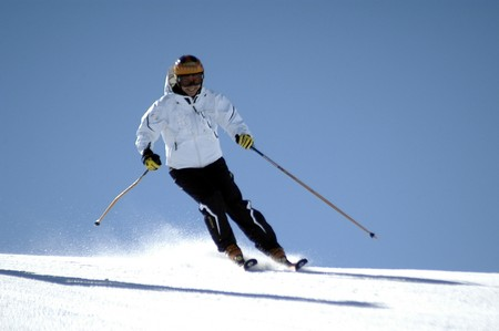 Women skiing in Sierra Nevada