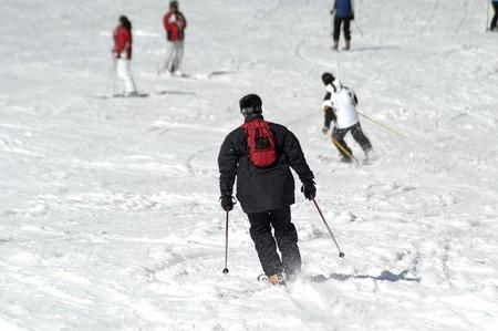 provincial: Skiers in Sierra Nevada