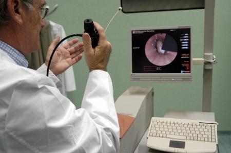 signos vitales: Simulador de endoscopia cl�nica Foto de archivo