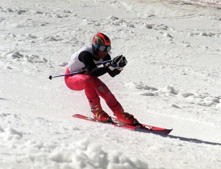 Spanish championship downhill skiing in the form of giant photo