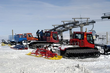 Machinery to fix the ski slopes of Sierra Nevada photo