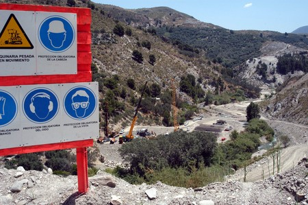 motril: CONSTRUCTION WORKS OF TRANCHE OF motorway MOTRIL IN YOUR LEG OF Izbor  Stock Photo