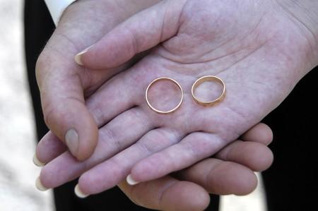 alliances: Hands with wedding alliances