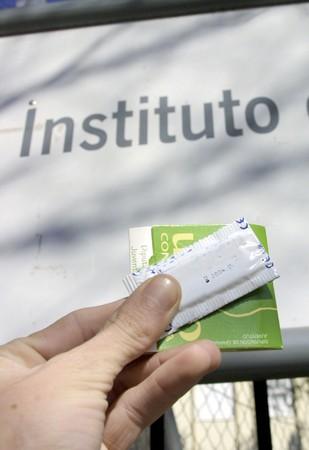 condones: Preservativos en los cursos de educaci�n secundaria