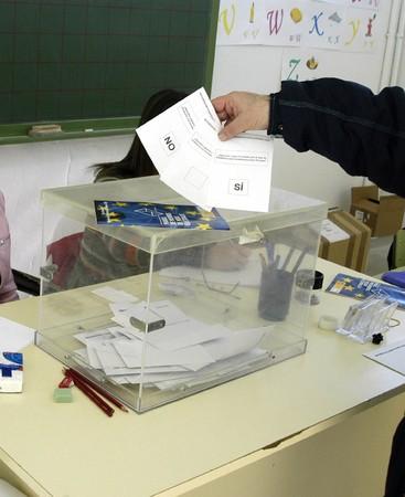 verdrag: REFERENDUM STEM VOOR HET VERDRAG VAN DE EUROPESE GRONDWET