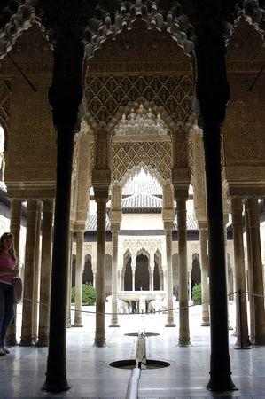 andalusien: Der Hof des L�wen auf die Alhambra in Granada (Spanien) Editorial