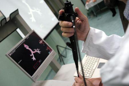 Simulación robótica clínica y endoscópica  Foto de archivo
