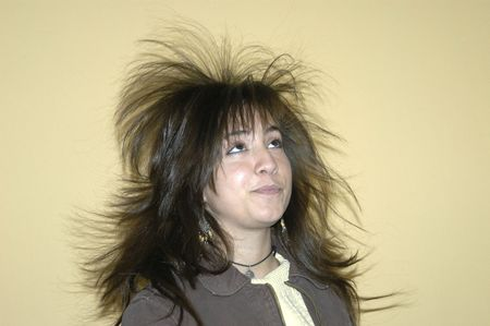 Experiments with van der Graaf generator of static electricity in the secondary school of Father Suarez in Granada, 2007