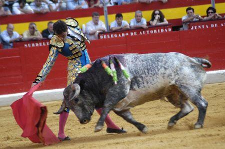 corrida de toros: El matador de toros Salvador Cortes en la corrida celebrada en Granada el 7 de junio de 2007, en la Feria de corpus