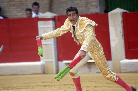 bull fighting: the bullfighter david fandila, el fandi, in the bullfight held in granada on 7 june 2007, at feria de corpus Editorial