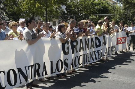 ugt: manifestation of the trade unions ugt and ccoo (general union of workers and workers commissions), by the death of a worker in an industrial accident in granada, 05.07.2007 Editorial