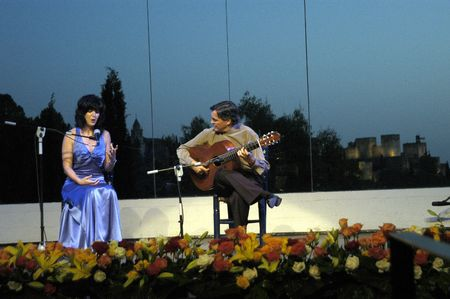 music show with guitarist jos� manuel cano and singer carmen garc�a segura, in the events in honor of san cayetano de thienne, managers of the college of granada, jaen and almeria, in the grounds of the chumbera of granada, 6  07  2007