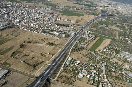 グラナダ: グラナダの高速道路の空撮
