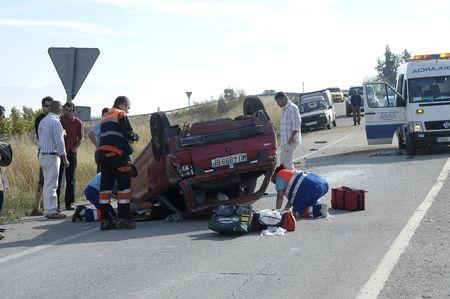 Granada-España-2007/10/06-espectacular accidente, cerca de lacher (granada) en la carretera de 92 Foto de archivo - 9588250